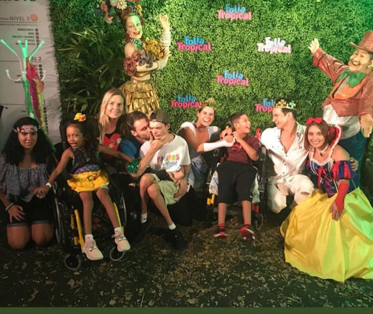 A celebração da pureza e alegria da infância na Folia dos Amigos do Ton (Foto: reprodução)