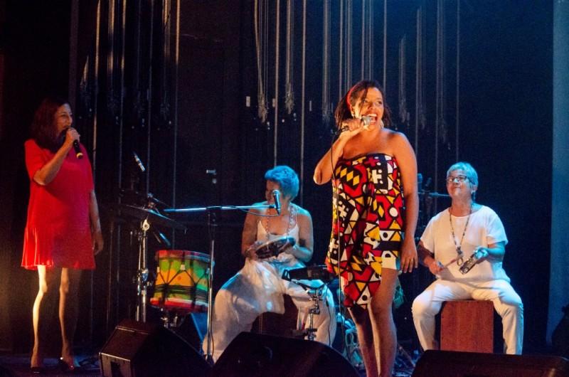 Maíra Freitas no espetáculo A arte é mulher, idealizado por Lan Lanh, no CCBB RJ - Foto Duharte Fotografia