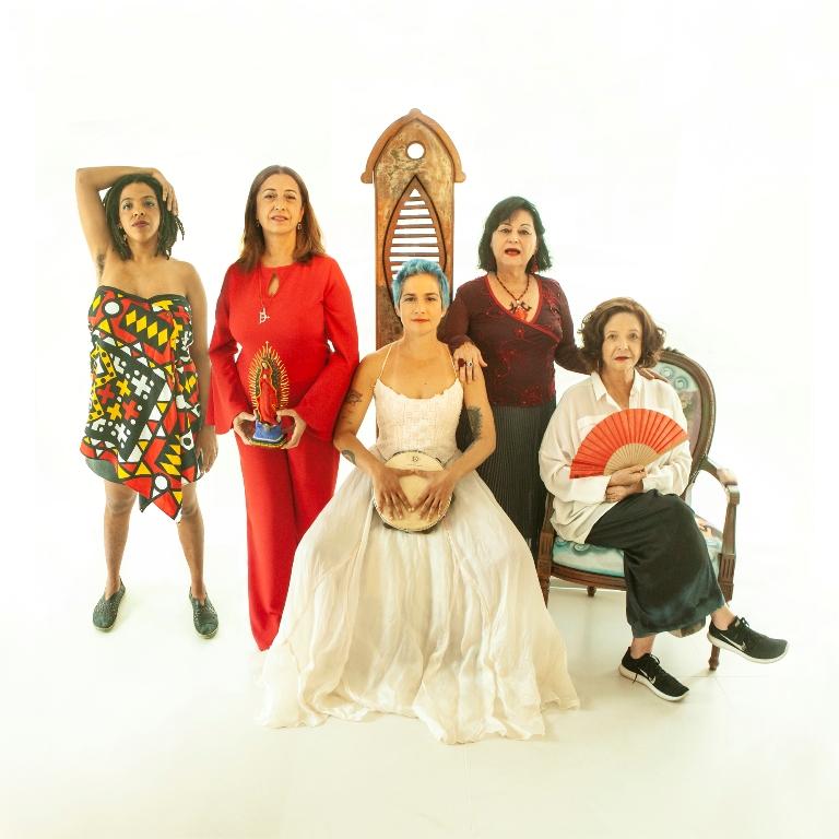 O elenco do espetáculo A arte é mulher no CCBB Rio - Foto Duharte Fotografia