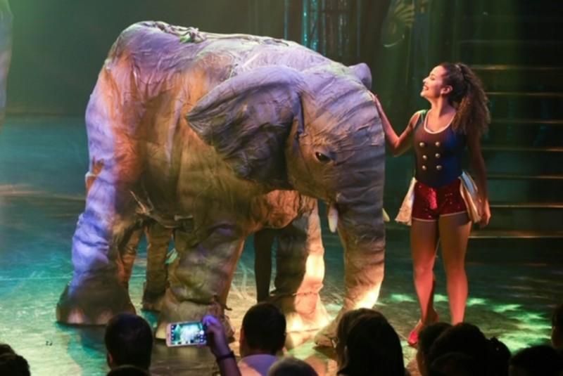 Animágicos: no Reder Circus, réplicas de elefantes em tamanho natural (Foto: Divulgação)