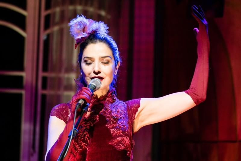 A atriz percore o país há quatro anos com o espetáculo