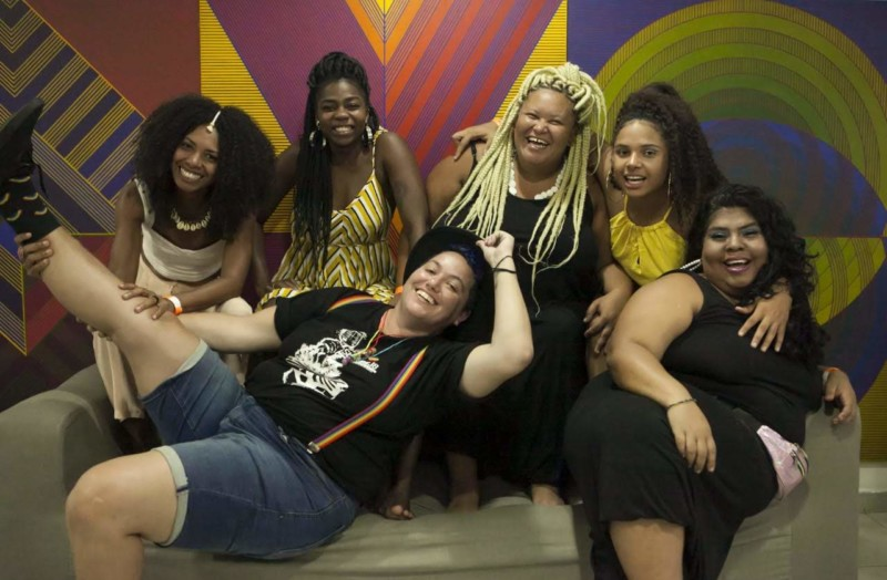 A poeta Letícia Britto e a turma do Slam das Minas que estará no Espaço Favela, do Rock in Rio
